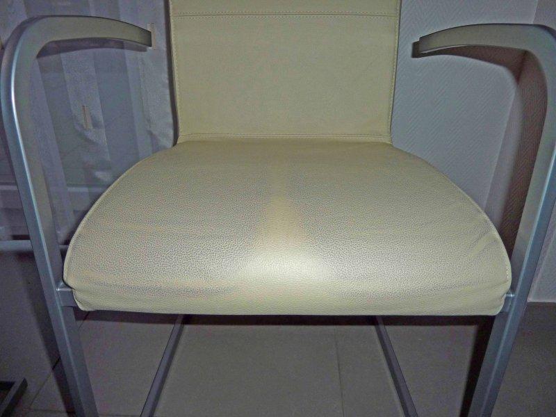 die reinigung von abf rbungen auf leder lederzentrum spezialist f r lederpflege. Black Bedroom Furniture Sets. Home Design Ideas