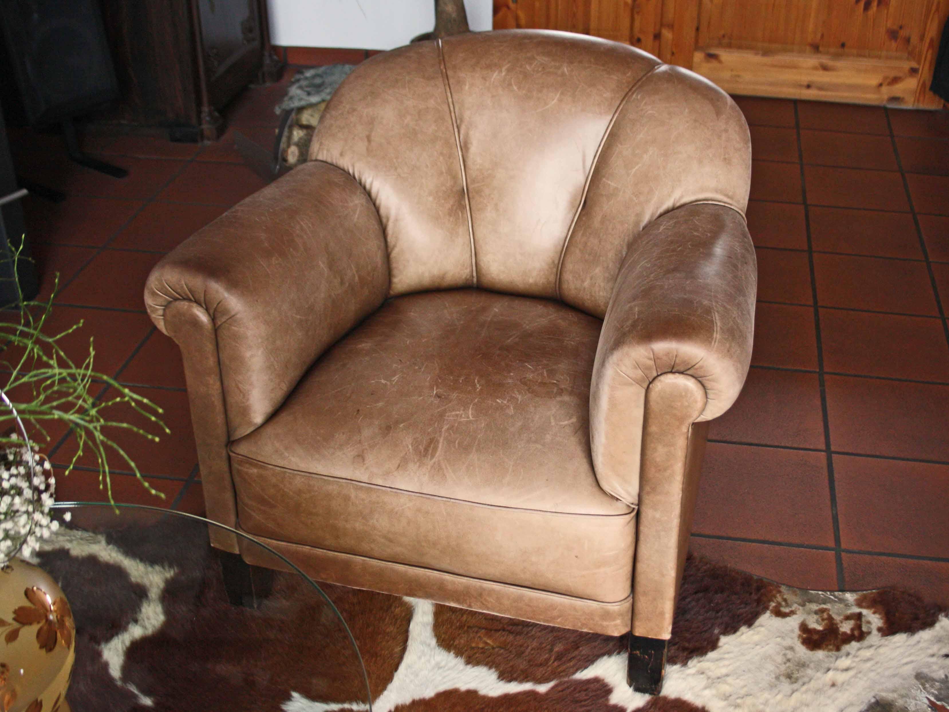 Reinigung und pflege von anilinledern lederzentrum for Sessel reinigen