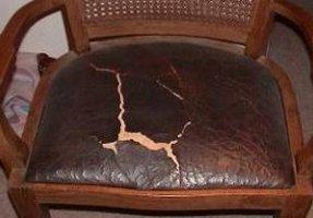 Die Restauration Von Alten Geprägten Stuhlledern Lederzentrum