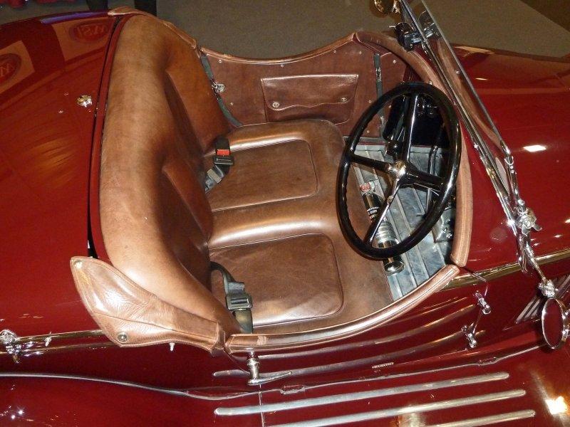 Die Häufigsten Fragen Zur Reinigung Und Pflege Von Autoledern