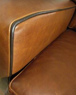 Bild 1: Ein Beispiel Für Die Oberfläche Von Semianilinleder   Bild 2: Möbel  Mit Semianilinleder